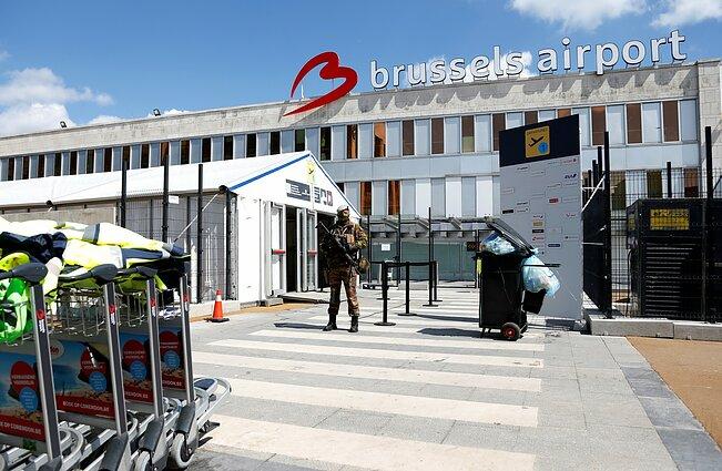 Po teroro atakų mažiau keleivių renkasi Briuselio oro uostą