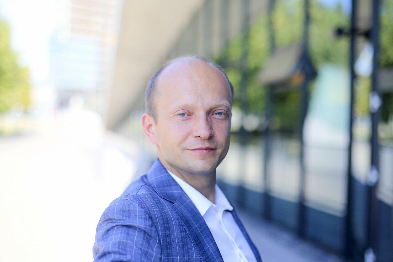 pasinaudoti prekybos bitkoinais paslaugomis kaip užsidirbti pinigų iš bitcoin Lietuvoje