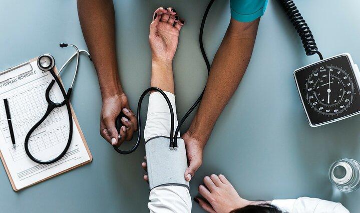 kaip gydyti hipertenziją žemą kraujospūdį