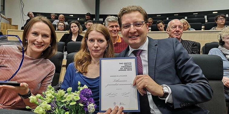 Lietuvos žurnalistams – tarptautinis apdovanojimas už vienybę ...