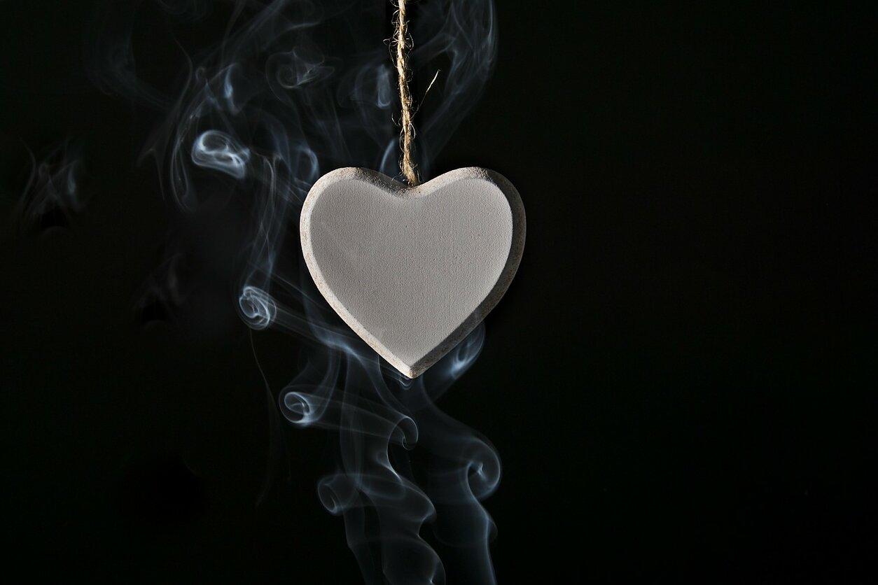 Kardiologė: elektroninių cigarečių poveikis kitoks, bet taip pat žalingas