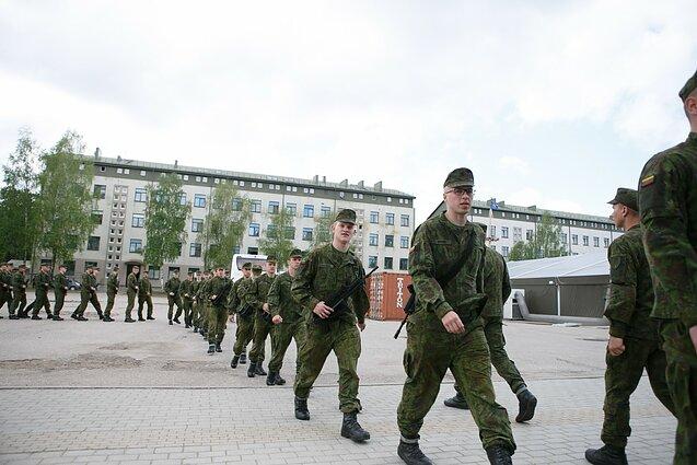 Netobulos sveikatos šauktiniai iš kariuomenės grįš