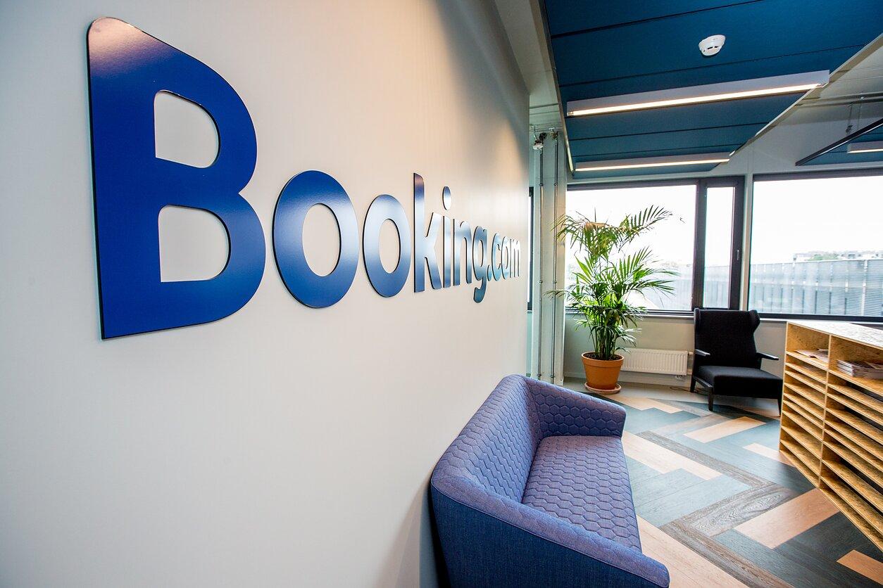 Booking.com: apgyvendinimo užsakymų sumažėjo 85 proc.