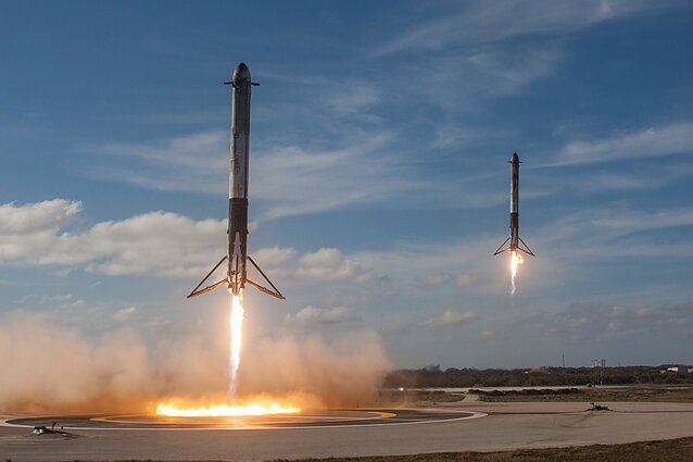"""SpaceX"" raketos"