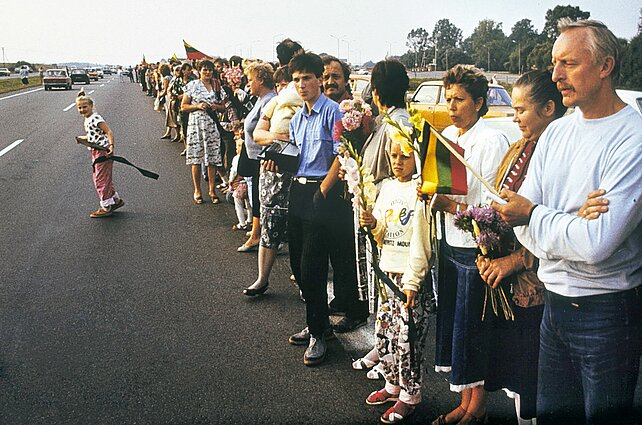 The original Baltic Way in 1989