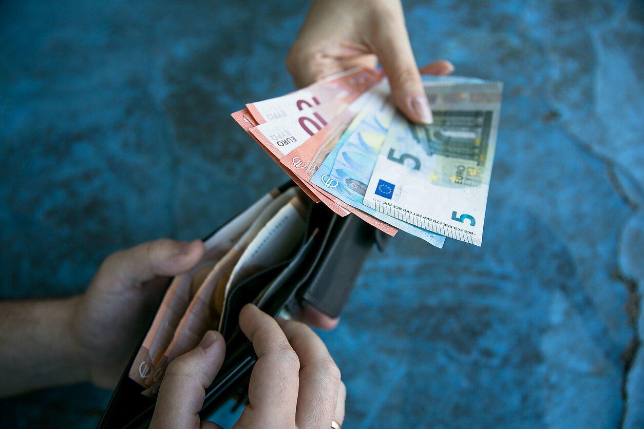 mokėjimo galimybės viršija
