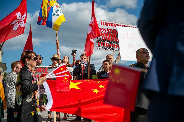Hong Kong support rally and counter-protest in Vilnius