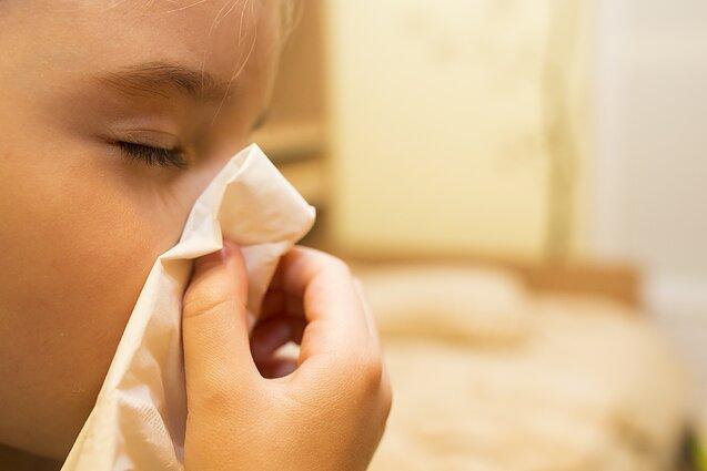Skausmas, skelbiantis apie vėžį: limfomos pranašai gali būti į gripą panašūs simptomai - LRT