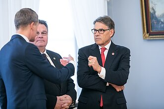 US Energy Secretary Rick Perry with Lithuanian ministers of energy and foreign affairs