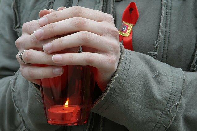 Žvakė ŽIV ir AIDS aukoms atminti Maskvoje