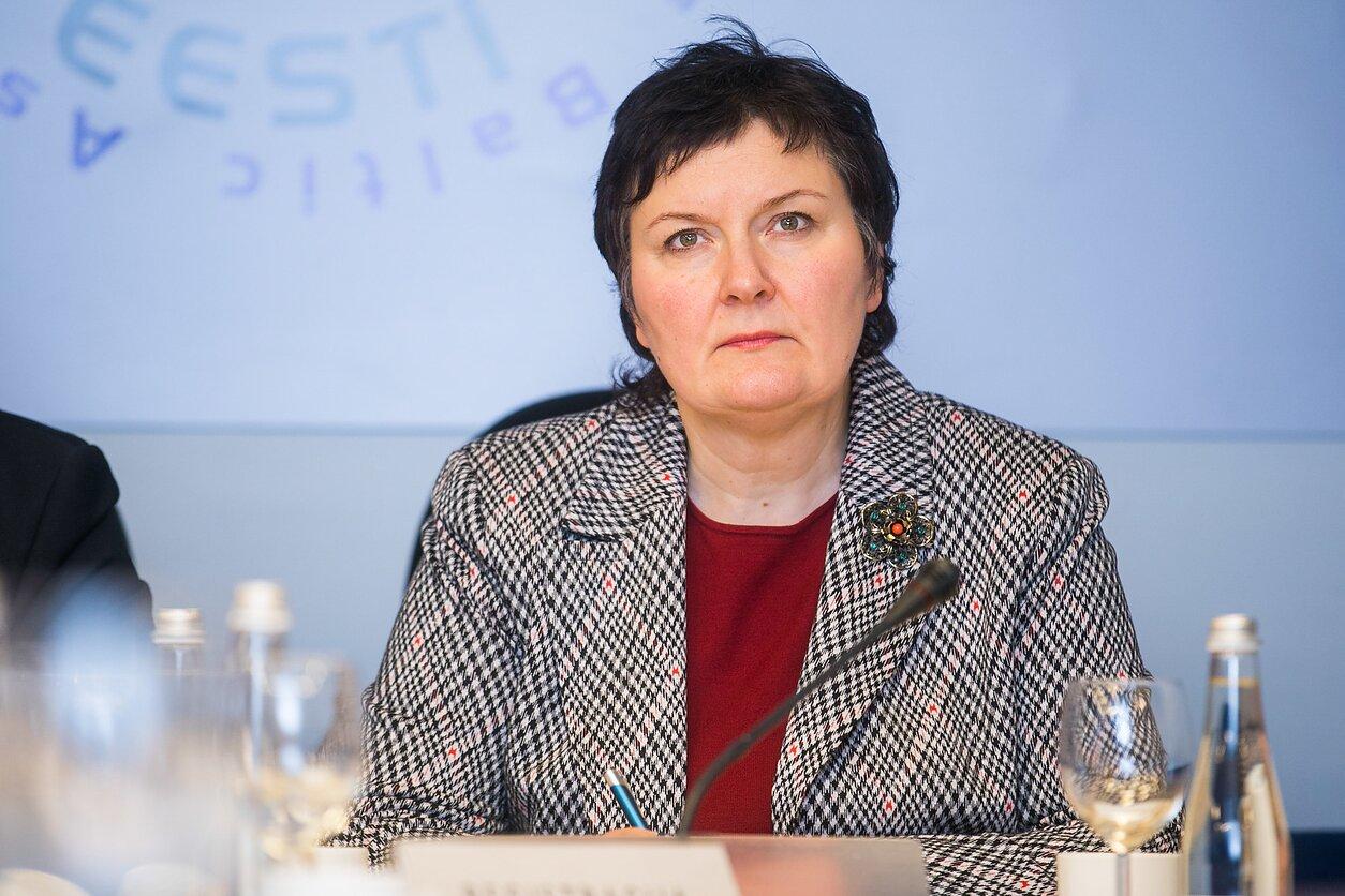 Dėl greitųjų COVID-19 testų – FNTT kratos sveikatos apsaugos viceministrės  kabinete - LRT