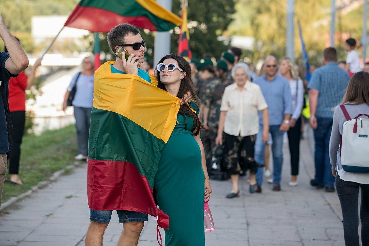 Lietuvos vėliava/lietuviai