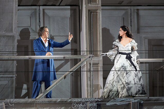 Erwin Schrott as Don Giovanni and Myrto Papatanasiu as Donna Elvira in Don Giovanni