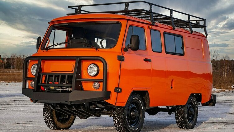 """UAZ SGR Combi Expedition"""