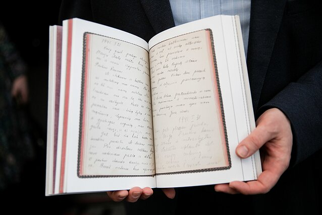 """Matildos Olkinaitės knygos """"Atrakintas dienoraštis"""" pristatymas"""