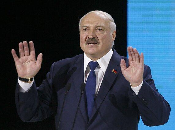 Lukashenko vows to stop human chain 'from Vilnius to Kyiv' - LRT