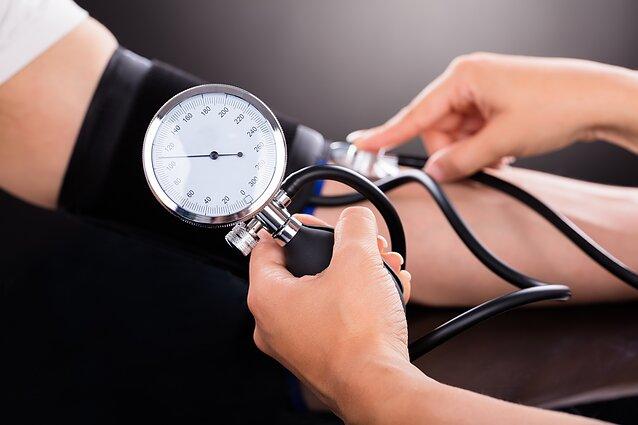 su hipertenzija, kraujo tyrimas)