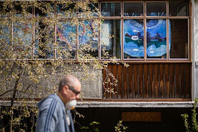 """Projektas """"Balkonų galerijos/Suartėjimai"""". Indrė Ercmonaitė, """"O visa kita vardan vyšnios"""""""