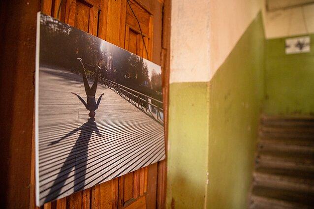 """Projektas """"Balkonų galerijos/Suartėjimai"""". Darius Jurevičius, """"Tostas"""""""