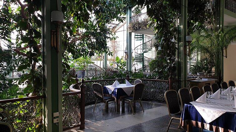 """Kretingos muziejaus žiemos sode įsikūręs restoranas """"Pas grafą"""""""