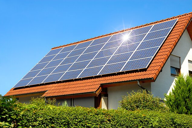 Saulės kolektoriai, energetika, elektra, išmanusis stogas