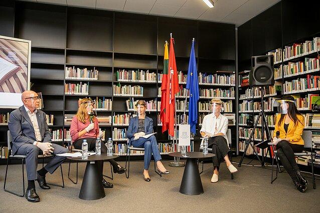 """Kultūros lyderių diskusija """"Dabarties iššūkiai rinkimų kontekste"""""""