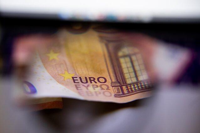 valiutos prekyba įmonėms)