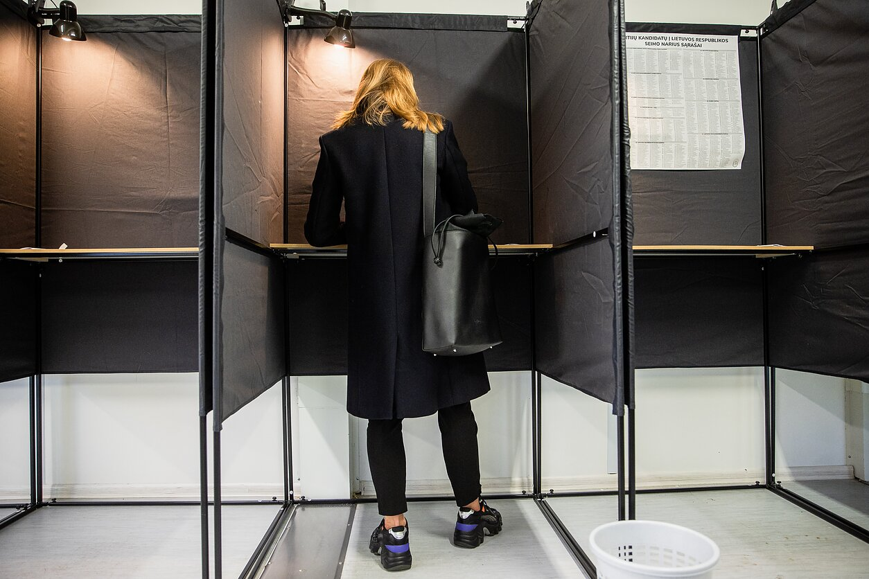 Lithuanians vote in run-off parliamentary election