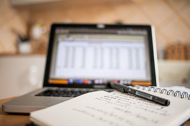 namų darbas yra pavaldinis darbas