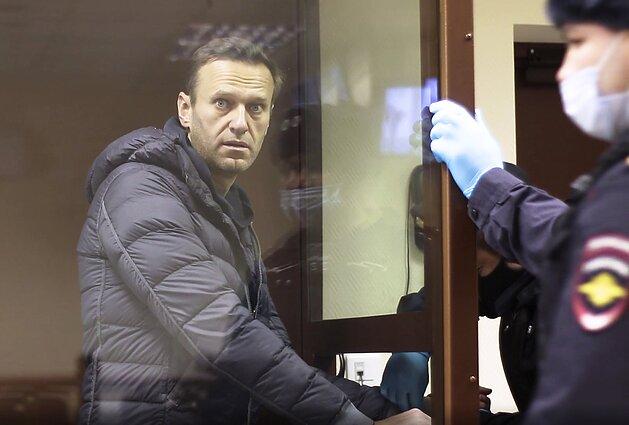 Aleksejus Navalnas vėl teisiamas