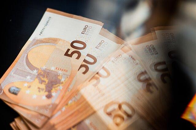 valiutos prekybos apyvarta