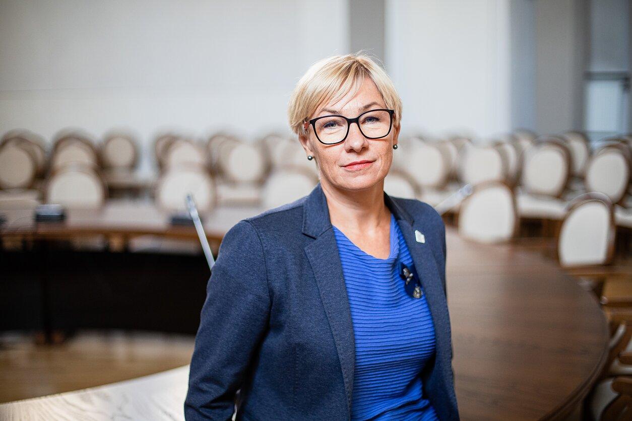 Švietimo, mokslo ir sporto ministrė J. Šiugždinienė