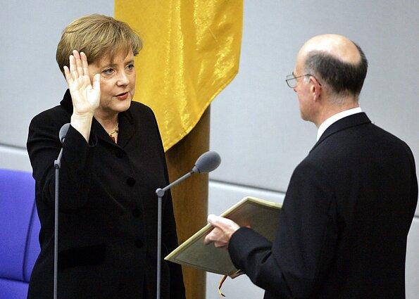 Angela Merkel assumes chancellorship in Bundestag, 2005